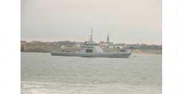 DCNS : le patrouilleur hauturier Gowind L'Adroit quitte Lorient pour Toulon