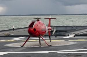 Le S100 harponné sur le pont d'envol