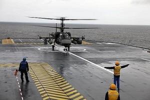 La plate-forme du navire doit être adaptée aux spécificités russes afin de pouvoir accueillir les hélicoptères Kamov. Crédit : Kamov