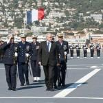 M. Marc Laffineur et l'amiral Bernard Rogel passent les troupes en revue